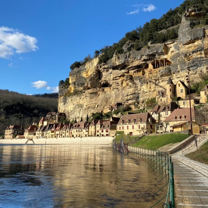Exceptional architecture, stunning scenery, the renowned gourmet capital: introducing the Dordogne